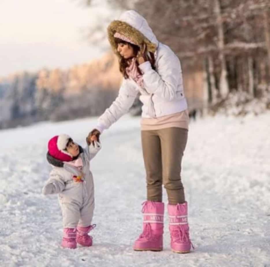 chaussuresonline-moonboot-rose-femme-fille-bébé-bottes-fourrées-chaussures-synthétique-tendance-mèrefille-fashion-hiver-froid